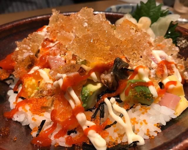 画像: 小谷あゆみ『ニューヨークの人気店!WOKUNIの海鮮丼が東京上陸!新橋・魚の飯ほかにて』