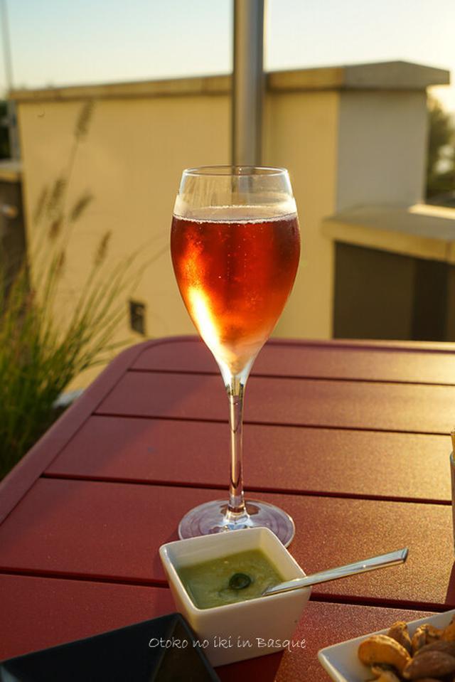 画像: IQORI restaurant in Biarritz ディナーはテラスで