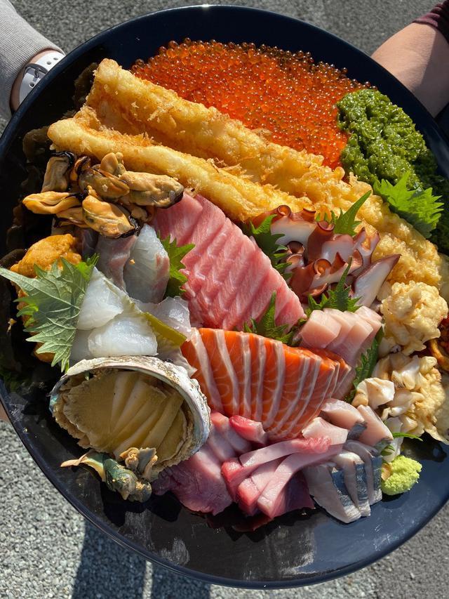 画像: キラキラ丼大食い大会♡
