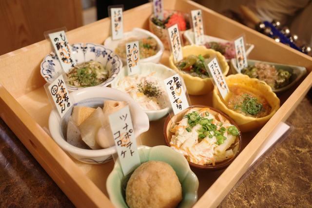 画像: 【日本橋】旬の素材から変わり種までカジュアルに天ぷら串が楽しめる酒場「八重洲天ぷら串山本家」