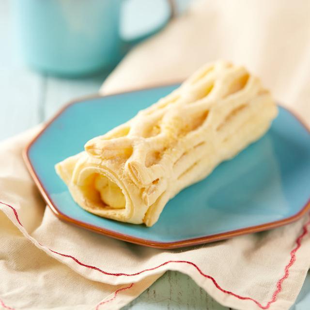 画像: コンビニスイーツ・ファミリーマート 冷やして食べるコロネパイ(チーズクリーム)