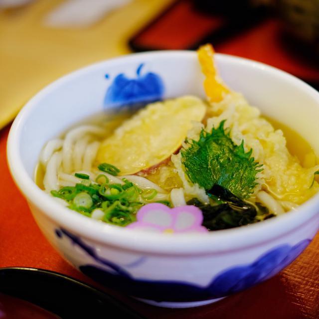 画像: 「島根・浜田 うどんのたまき 天ぷらそば」