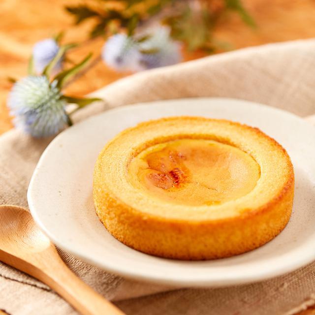 画像: コンビニスイーツ・ファミリーマート ベイクドチーズケーキのバウム