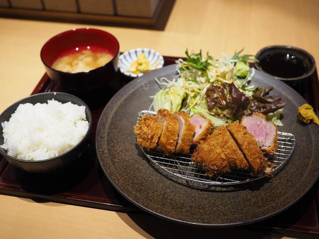 画像: 大阪で唯一いただける和歌山県のブランドイノブタ『イブ美豚』のとんかつランチ! 本町 「すき焼き 串カツ はるな 本町店」