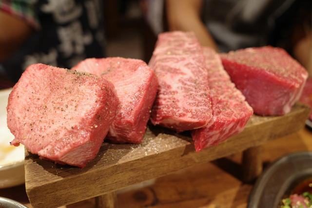 画像: 【渋谷】分厚いお肉の盛り合わせはインパクト抜群!ワイワイ楽しめる焼肉「ここから 渋谷道玄坂店」