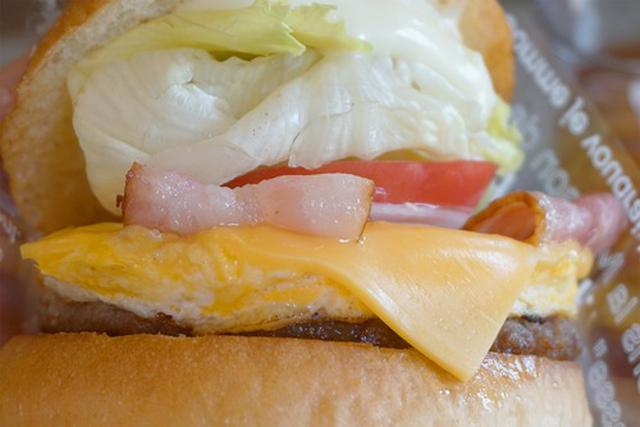 画像: 【長崎】佐世保バーガー店でベーコンエッグチーズバーガー♪@グレインダイナー