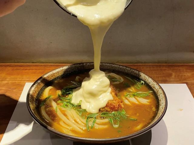 画像: ハイカロリーだけど美味しくてやめられない悪魔のようなチーズ唐揚げカレーうどん! 肥後橋 「SANSHU~讃州~」