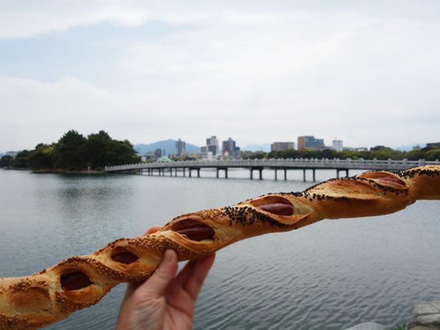 画像: 【福岡】ロングロングソーセージパンを大濠公園で♪@リボリ 大濠店