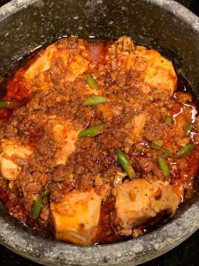 画像: おうちで激辛石焼麻婆豆腐とよだれ鶏