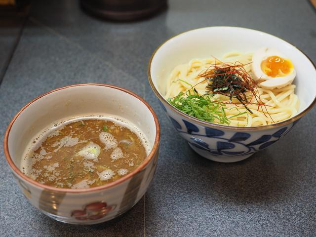 画像: 魚介系Wスープの草分け的存在の名店で久しぶりの『魚濃つけ麺』! 北区浪花町 「洛二神」