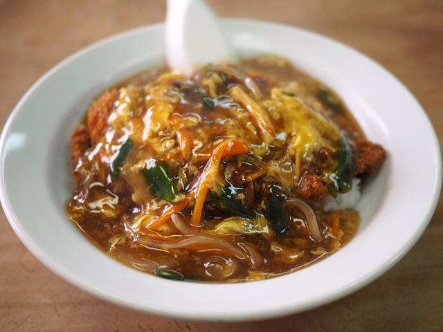 画像: とても良心的な価格で美味しい中華風カツ丼が食べられる町中華! 生野区 「大龍飯店」
