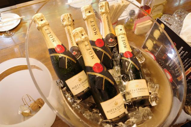 画像: 【代々木】昼飲み限定!モエ飲み放題コースがゴキゲンで楽しい「泡包シャンパンマニア」