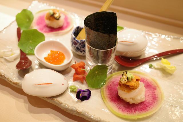 画像: 【新宿】職人技を目の前で楽しめるライブ感たっぷりのカウンター「鮨やまけん 新宿東口店」