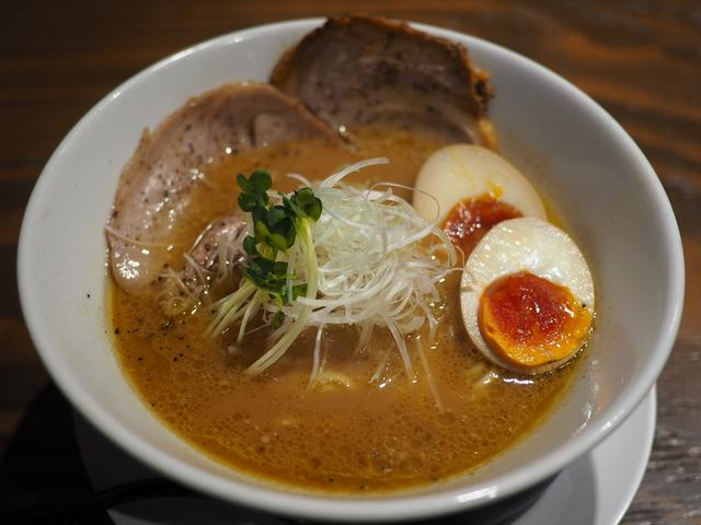 画像: 十三駅前の使い勝手抜群のお店で美味しい鶏白湯をいただきました! 十三 「麺屋 穂 (みのり)」