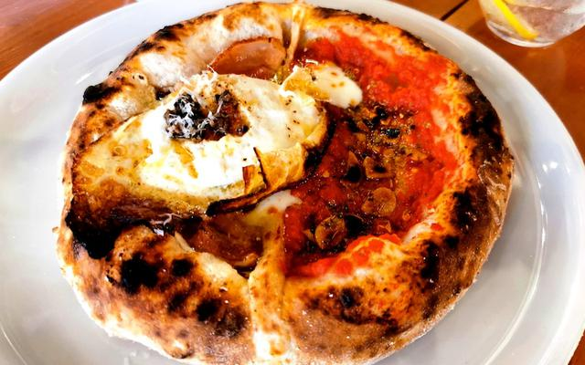 画像: 自家製モッツァレラと地元食材を使った至福のピッツァを楽しむ