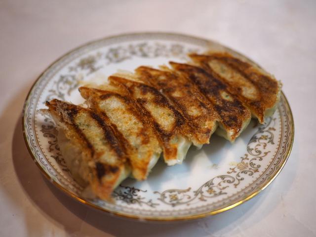 画像: 餃子だけでなく中華系、洋食系、和食系、鉄板焼き系のあらゆる料理が美味しくてリーズナブルな餃子バルがオープン! 天神橋5 「餃子イェスタデイ」