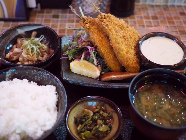 画像: 海鮮居酒屋の肉厚ふわふわのお値打ちのアジフライ定食! グランフロント大阪 「しらすくじら ウメキタフロア店」