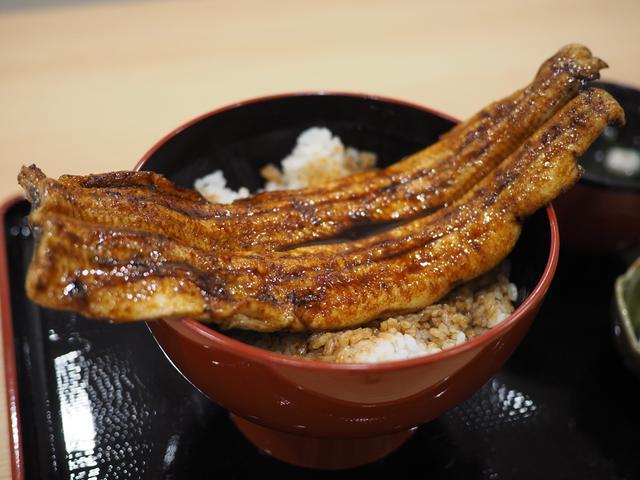 画像: 非常にクオリティーの高い国産うなぎ丸ごと一匹のうな丼が信じられないほどリーズナブルにいただけます! 福島区 「一色産地焼き鰻 福乃城」