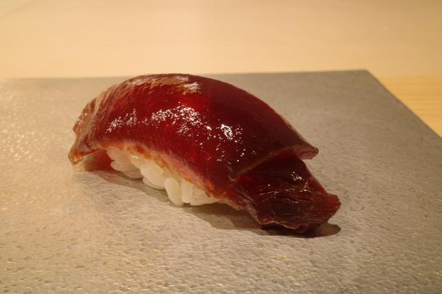 画像: 【渋谷】奥渋谷にひっそり佇む隠れ家鮨店。丁寧な仕事でつまみも鮨も絶品「鮨 五徳」