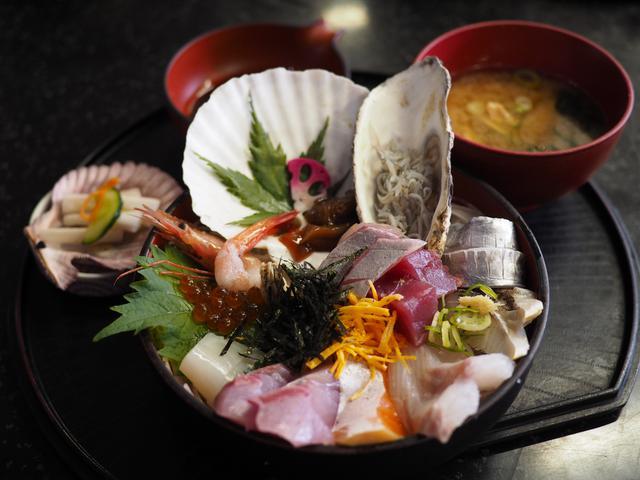 画像: 市場でセリ落としたばかりの捌きたての鮮魚料理が食べられる地元で大人気のお店! 京都府舞鶴市 「新鮮処 魚里」