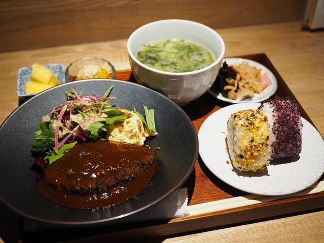 画像: ボリューム満点で美味しくて栄養のバランスも良い満足感が高すぎるおにぎり定食! 西区新町 「ムカカ」