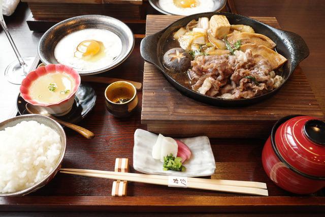 画像: 【箱根】黒毛和牛の牛なべを箱根唯一の川床で味わう「牛なべ 右近」