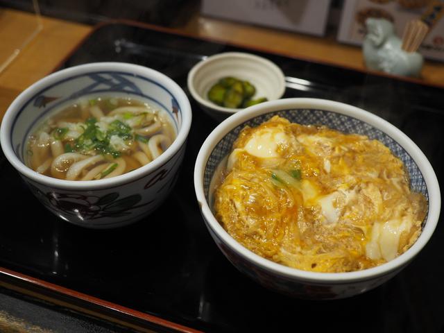 画像: お出汁がしっかり効いたかつ丼が抜群に美味しい大人気のうどん屋さん! 福島区 「小麦や」