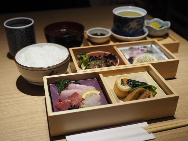 画像: 丁寧な味付けの本格和食の2段重ランチは美味しくて満足感がとても高いです! 北浜 「今橋 よし田 本店」