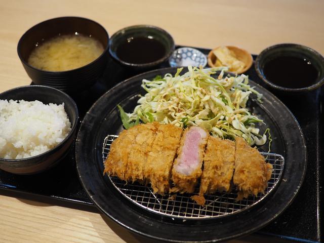 画像: 超希少な和歌山県産のブランドイノブタ『イブ美豚』のお値打ちのとんかつランチがいただけます!が 西天満 「しゃぶしゃぶすき焼き はるな」