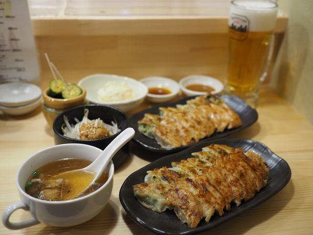 画像: 名店の餃子が大阪でも食べられるようになりました! 宗右衛門町 「餃子 歩兵」