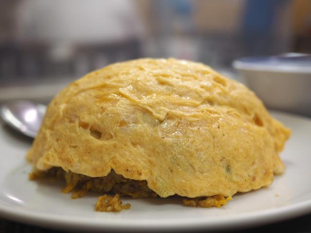 画像: 一度食べたら間違いなくハマるちょっとジャンクでボリューム満点の天津カレー炒飯! 北浜 「中国料理 龍門」