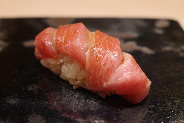 画像: 【渋谷】つまみから握りまで。火入れや温度に徹底してこだわる極上鮨を体感「くろ﨑」