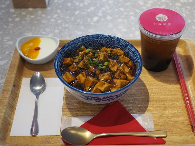 画像: 台湾料理、台湾のスイーツ、ドリンクがたくさん揃った使い勝手抜群の台湾カフェ! 梅田 「永福ジョーバー LINKS UMEDA店」
