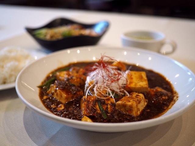 画像: 大阪を代表する創作料理の老舗がコロナ禍で始めたランチ営業で名物のイカおろしマヨネーズが食べられます! 北区大淀南 「炭味家」
