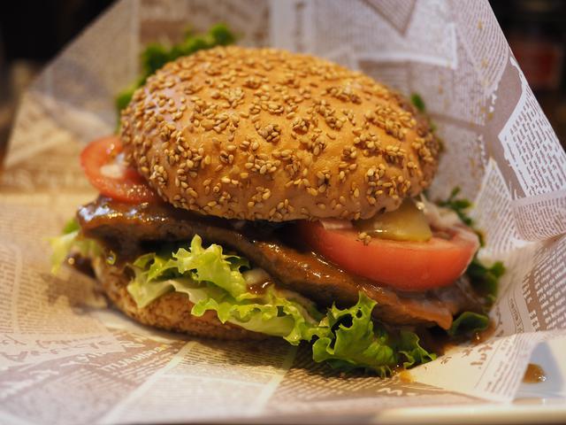 画像: ステーキ専門店の迫力満点の絶品ステーキバーガー! 上新庄 「ステーキリバーベ 上新庄店」