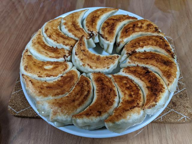 画像: 「芙蓉亭」の厚皮モチモチ焼き餃子をお取り寄せ【市川】