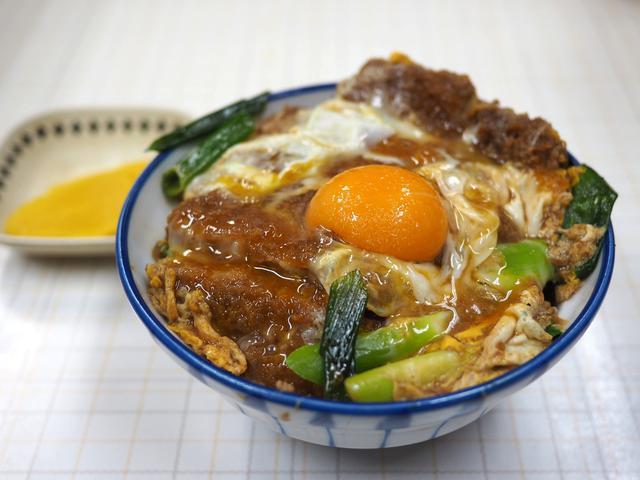 画像: 地元で絶大に支持される味も値段も雰囲気も何もかもが昭和な食堂で絶品かつ丼をいただきました! 今里 「美登里食堂」
