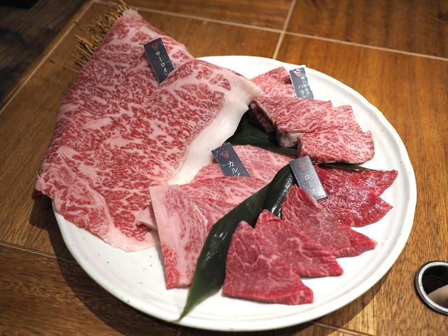画像: 駅前のビル1棟が全部お肉屋さんの焼肉店で非常にクオリティの高いお肉がびっくりするほどリーズナブルにいただけます! 淀川区加島 「加島肉ビル 焼肉店」