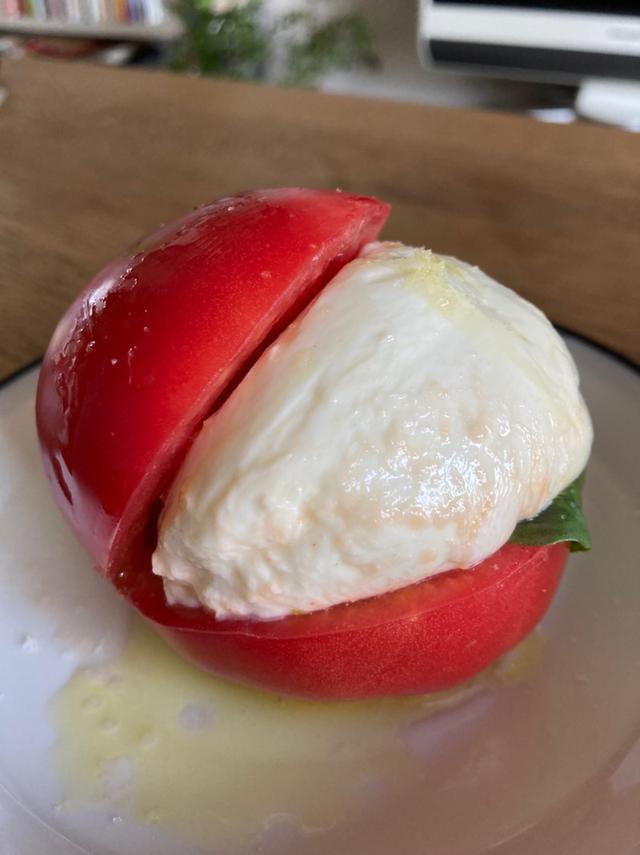 画像: 話題のマリトッツォをトマトで作ってみた!野菜でヘルシー