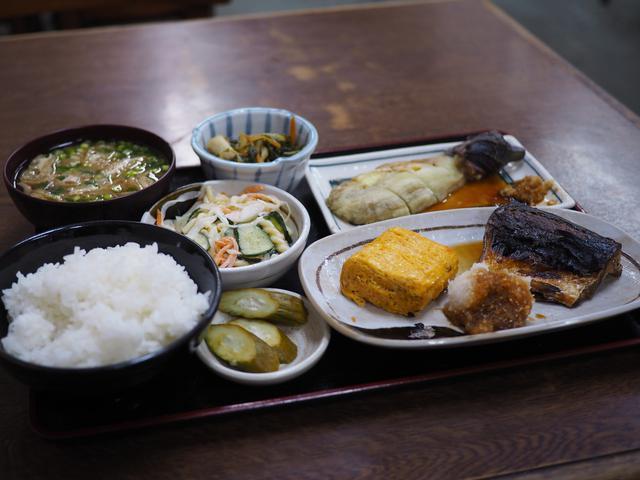 画像: 休日の昼飲みは今はできませんが・・・おかずもご飯もとても美味しくて大満足! 大正区 「米やのめしや」