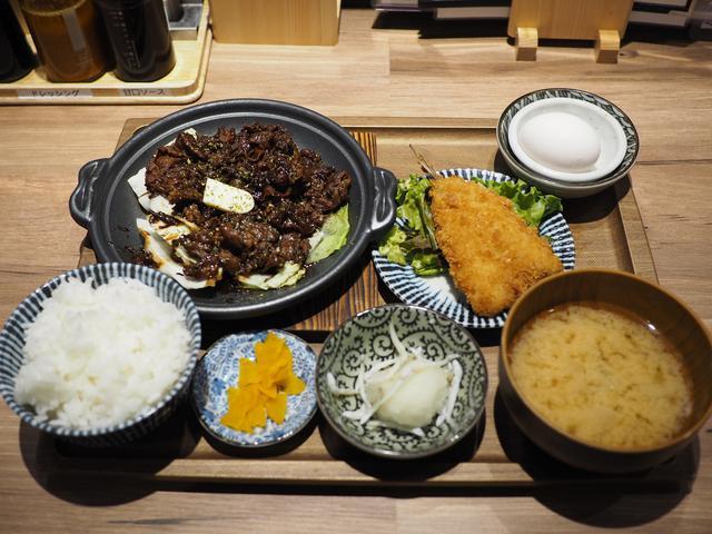 画像: 濃厚なタレが絡みまくった牛タン切り落とし肉は最強のご飯のお供です! 梅田 「ニューワクラ LINKS UMEDA店」
