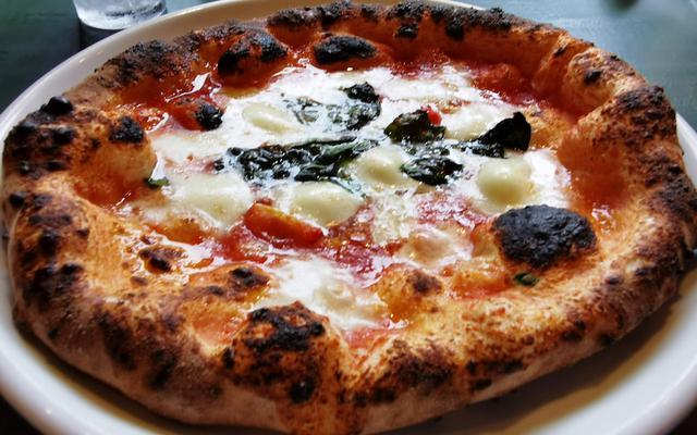 画像: 食べログピザ百名店初選出「ウッデンシップ」は個性的な人気店