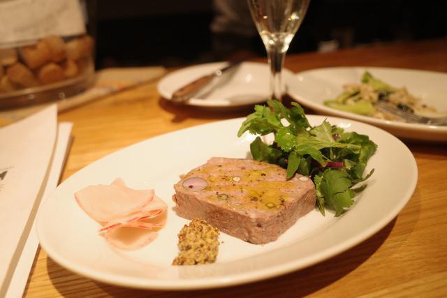 画像: 【大分】前菜にパスタも美味しい!アットホームなカウンターでワインを味わう「BAR PONTE」