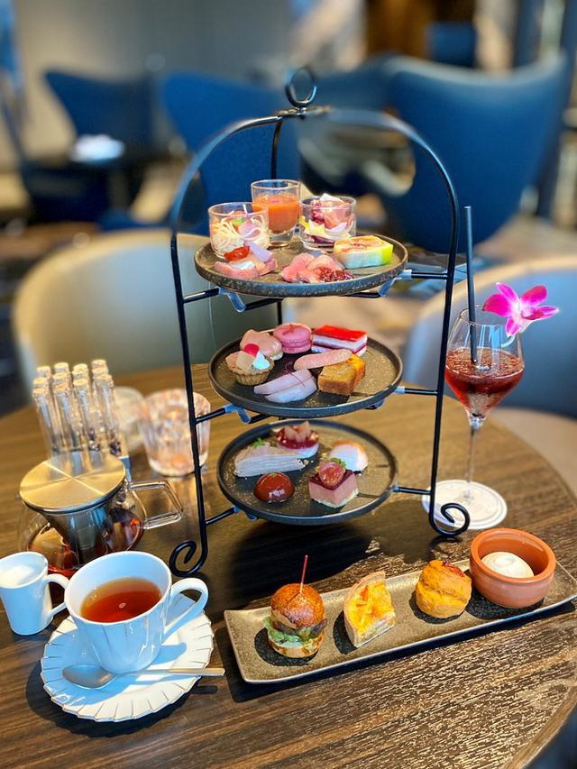 画像: ホテルのラグジュアリーカフェの桃とトマトをテーマにしたアフタヌーンティーセットは美味しくて満足感が高すぎます! 淀屋橋 「Bar&Lounge THE BAR」