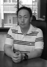画像: 松崎宣博 株式会社ベクトル 取締役(CIO) 1974年生まれ愛知県出身。前職パソコン周辺機器メーカーのサンワサプライにて直販ECサイト「サンワダイレクト」のWebディレクターとして立上期~拡大期に携わる。 2012年にベクトルにIT部門責任者として入社。2014年取締役就任。IT領域全般を管轄し、Webディレクティング・クリエイティブ・システム・CS戦略を手広く担当。 現在、ベクトル社では自社運営ECサイト「ベクトルパーク」、楽天市場・ヤフオクなどのマルチチャンネル販売戦略や、店舗販売とのオムニチャネルシステム構築など統括している。