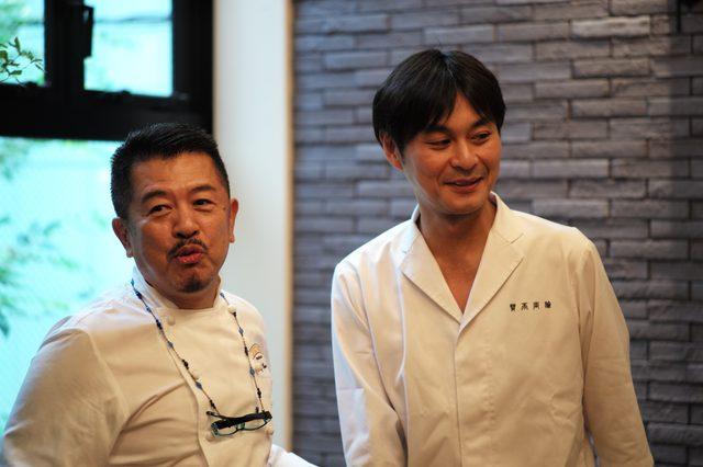 画像: 『賛否両論』オーナー兼料理人の笠原 将弘さん(右)と。