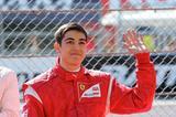 画像: フェラーリ・ドライバー・アカデミーに属し、2016年はGP3を戦ったジュリアーノ・アレジ。昨年の「モータースポーツファン感謝デー」では、将来F1ドライバーになって鈴鹿を走ることを、大観衆を前で約束してくれました。 www.suzukacircuit.jp