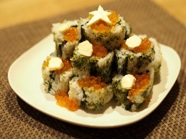 画像: YouTube料理家ochikeronの「クリスマスツリーロール」☆新感覚和食が海外でも大人気!