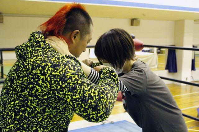 画像: 「プロレスファンを名乗る資格ない...」悩めるプ女子がプロレス総合学院に体験入学