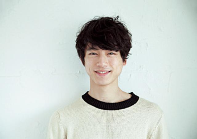 画像: 次なるブームは「ドリップ男子」!? 元祖ドリップ男子・坂口健太郎が後輩モデルにコーヒーの淹れ方をレクチャー